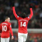 Arsenal line up Manchester United's Javier Hernandez