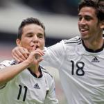 Rising star Khedira extends Stuttgart contract