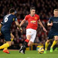 Van Persie: New deal not up to me