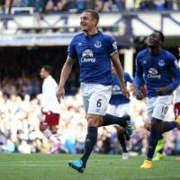 Barkley stars in Everton win