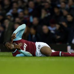 West Ham striker Diafra Sakho to undergo scan