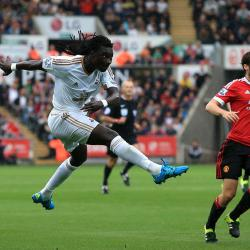 Bafetimbi Gomis scores the winner as Swansea beat Manchester United