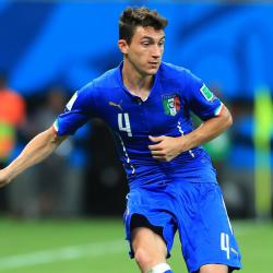 Italy seal Euro 2016 place, Holland keep hopes alive