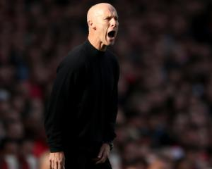 Bob Bradley set for style makeover following Lineker criticism