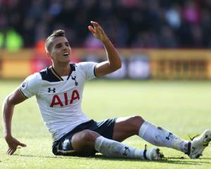 Erik Lamela injury causing concern at Tottenham
