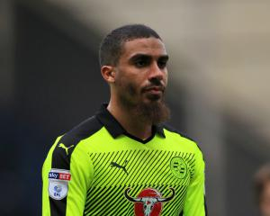 Lewis Grabban joins Sunderland on season-long loan