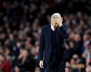Arsene Wenger set to face more questions over Arsenal future