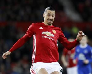 Zlatan Ibrahimovic: Jose Mourinho giving his all to strengthen Manchester United