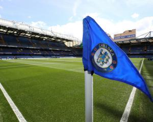 New deal agreed as Chelsea goalkeeper Eduardo plays waiting game