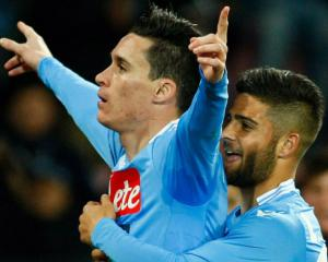 Napoli host Roma in high-risk Serie A clash