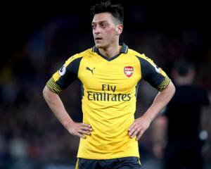 Mesut Ozil in no rush to resolve Arsenal future