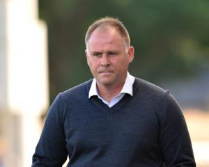 Neil McDonald joins Hull as assistant boss