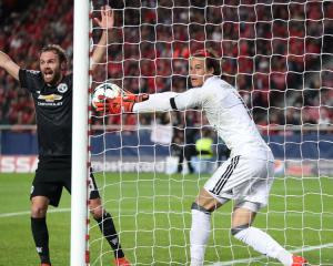 Marcus Rashford stuns Benfica record-breaker as Manchester United win in Lisbon