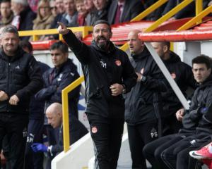 Sunderland still seeking a boss after Derek McInnes decides to stay at Aberdeen