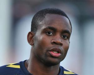 Cedric Bakambu at the double as Villarreal hold narrow advantage