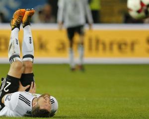Shkodran Mustafi injury blow for Germany and Arsenal