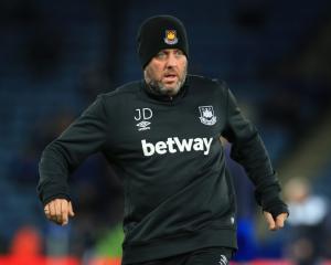 New deals for West Ham coaches