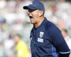 Tony Pulis won't walk away from West Brom but wants five new signings this month