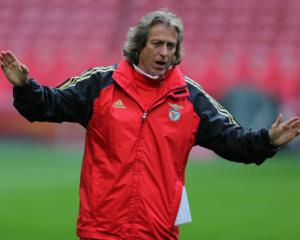 Benfica coach Jesus suspended for impeding police