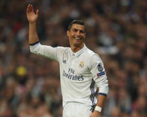 Cristiano Ronaldo ready to commit to Real Madrid until 2021
