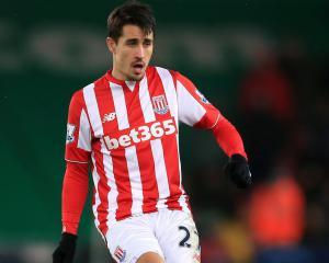 Bojan pens new Stoke deal