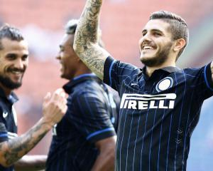 Serie A weekend round-up: Inter trounce Sassulso as Milan win in 9 goal thriller