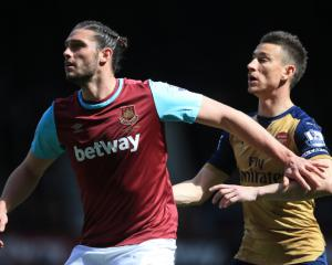 Louis van Gaal frightened by Andy Carroll after poor defensive show at Spurs
