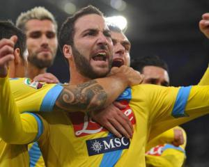 Higuain hits brace as Napoli sink Lazio