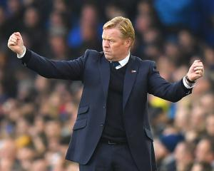 Everton boss Ronald Koeman backs rivals Liverpool to push for title