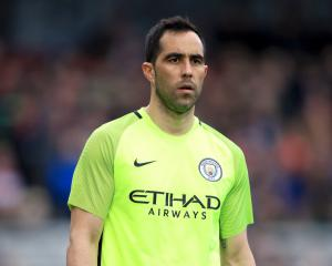 Pep Guardiola stands by decision to recall Claudio Bravo after latest mistake