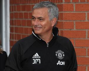 Henrikh Mkhitaryan Completes Move To Manchester United