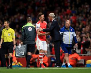 Olivier Giroud says Arsenal's players want Arsene Wenger 'adventure' to continue
