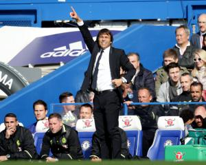 Chelsea head coach Antonio Conte set to stick to same formation