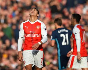 Toothless Arsenal draw blank as Boro stand firm