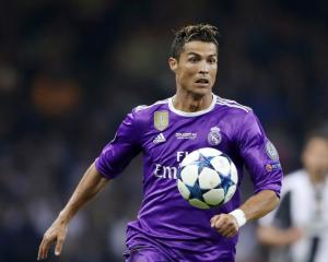 Jose Mourinho: United move for Cristiano Ronaldo would be mission impossible