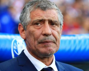 Portugal boss Fernando Santos predicts close battle against Poland