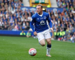 Wayne Rooney looks close to making Everton return