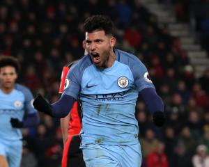 Sergio Aguero makes a goalscoring return as Manchester City win at Bournemouth