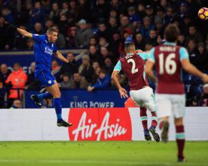 Foxes ease relegation worries as Slimani header sees off Hammers