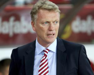 David Moyes urges Sunderland to raise their levels to avoid relegation worries