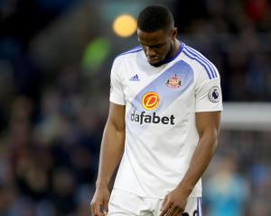 Sunderland striker Victor Anichebe reduced to tears after suffering knee injury