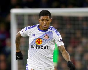 Crystal Palace agree fee for Sunderland defender Patrick van Aanholt
