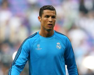 Real Madrid's Cristiano Ronaldo suffers thigh problem in training
