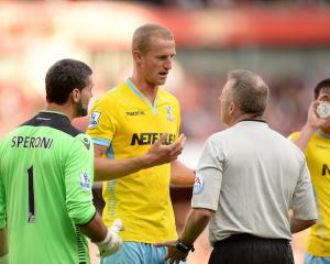 Hangeland ends Norway career