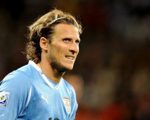 Forlan announces Uruguay retirement