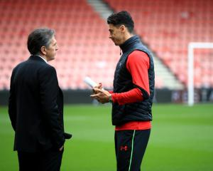 Claude Puel hopes to build Southampton confidence despite Jose Fonte standoff