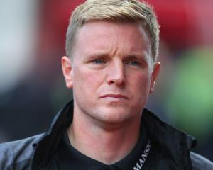 Eddie Howe concerned as Bournemouth let points slip away