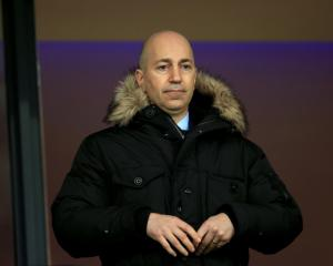Arsenal chief exec Ivan Gazadis warns fans not to expect glut of big-money buys
