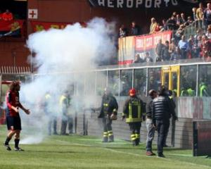 Genoa-Siena stopped for 45 minutes by fan protest