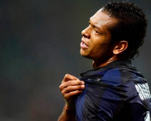 Former Juve target Guarin signs Inter extension